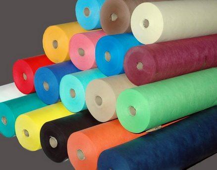 vải không dệt có đa dạng màu và định lượng khác nhau