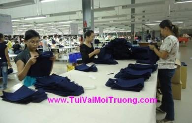 kiểm tra túi vải không dệt, túi thân thiện môi trườn, ngành dệt may, vải không dệt