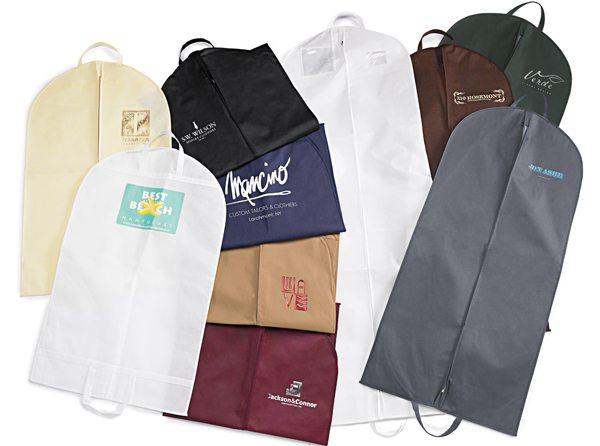 các mẫu túi vải không dệt đựng áo vest rất được ưa chuộng hiện nay.